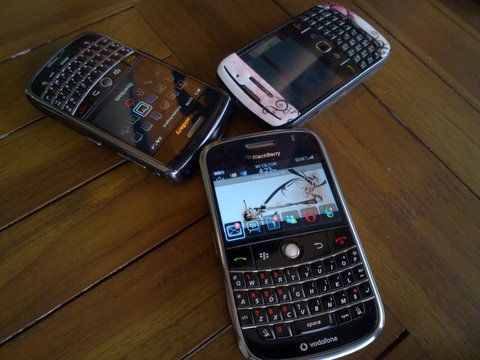 blackberry bold 9000, gemeni 8520, and tour 9630