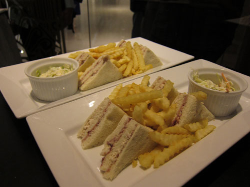 sandwitch and fries, island bistro