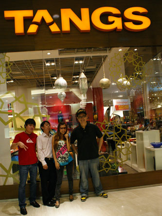 bloggers at Tangs