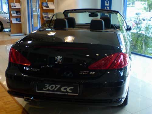 Black Peugeot 307CC rear look