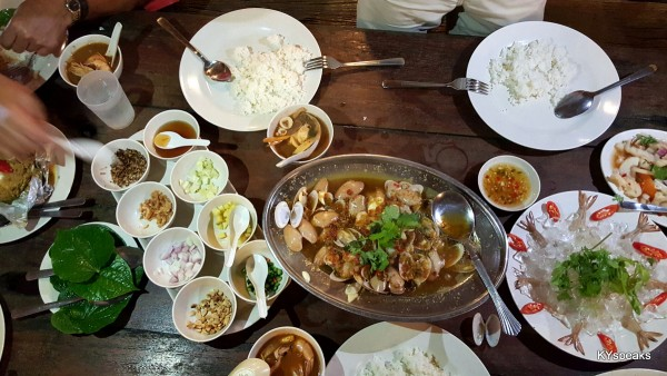 safe to say we enjoyed ourself really well at Khunthai