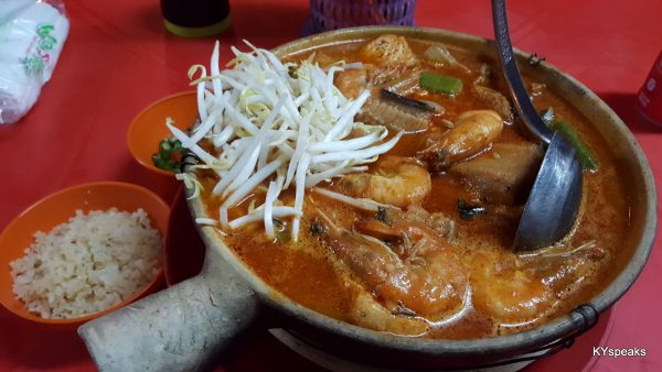 claypot curry mee is what we're here for