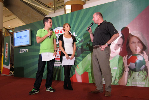 launching of ESPN Castrol's Football Crazy longest pass
