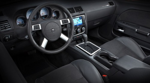 interior of dodge challenger 2008