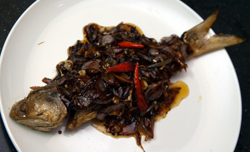 Fried Ma Yau fish with special sauce