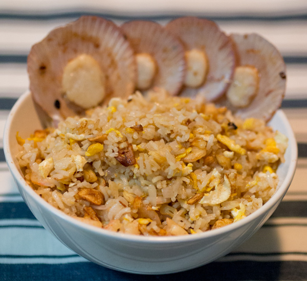 garlic fried rice with prawns and scallops