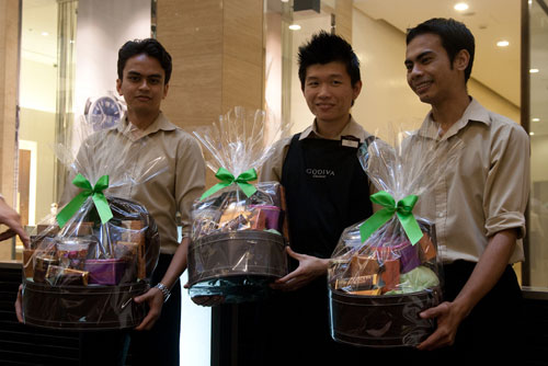 and you can buy some godiva hampers as Hari Raya gifts too