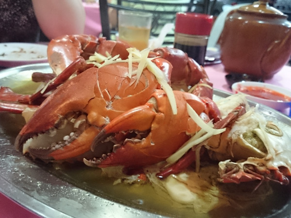 the glorious steamed crab, with huge claws to boot