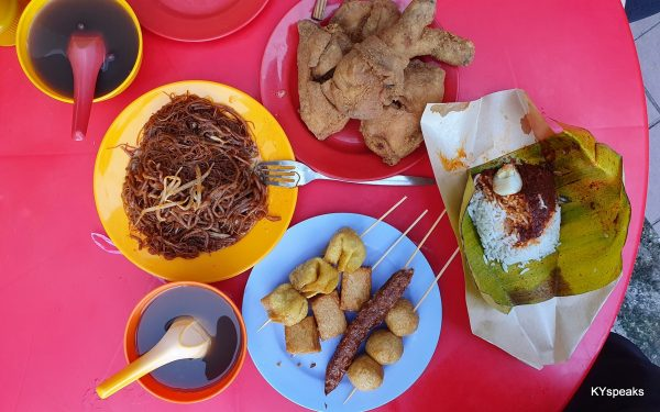 fried meehun, fried chicken, nasi lemak, and fishball on skewer
