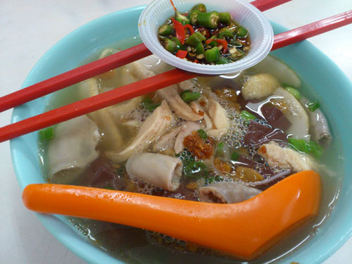 kueh teow soup with coagulated blood, intestine, chicken, and more!