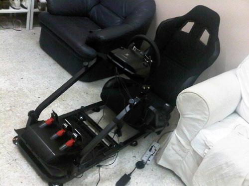 Logitech G27 with racing seat