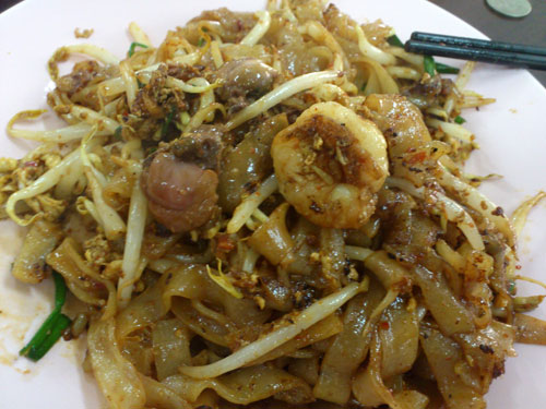 glorious char kuih teow, just need bigger prawns actually