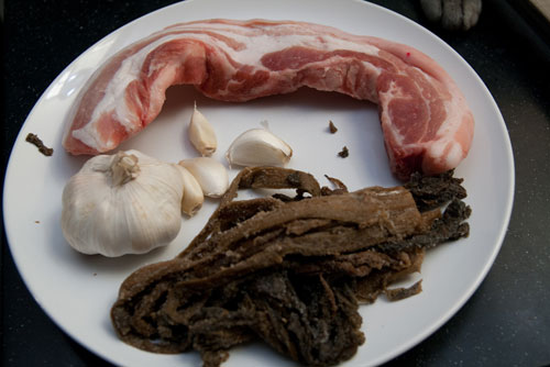 ingredients for mui choy pork