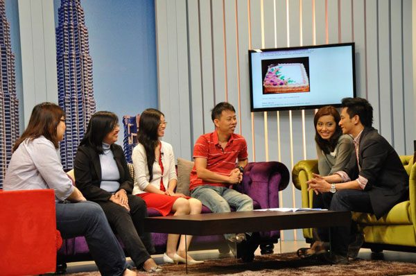 at the set of NTV 7's breakfast show with hosts Naz and Satira Diana