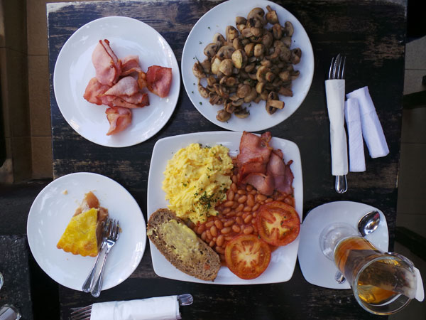 breakfast at Antipodean