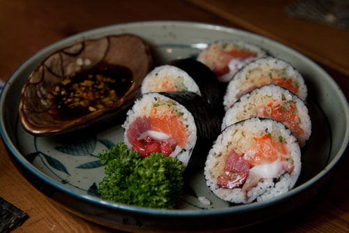 salmon maki