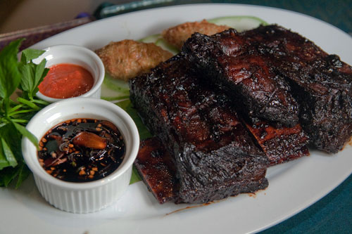 rusuk panggang (chargrilled marinated short ribs)