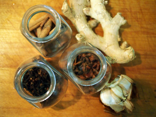 cloves, star anise, cinnamon stick, ginger, garlic
