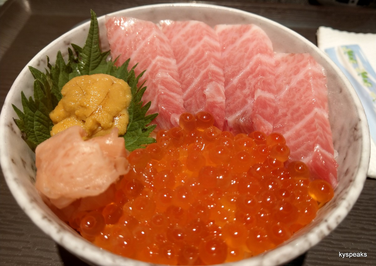 toro kaisen don - tuna belly, uni, ikura