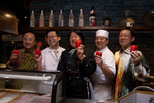 the owners, Chef Hiroshi Miura, Chef Atsushi Nishibuchi, and Iron Chef Sakai