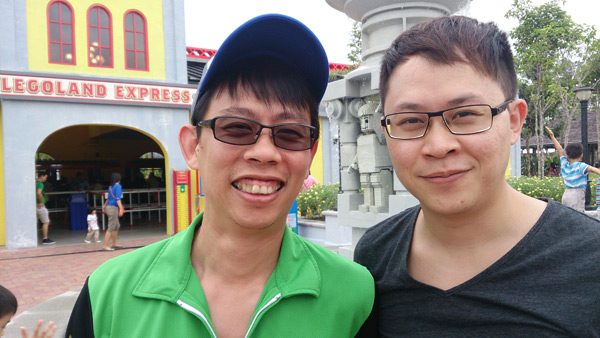 Transitions vs normal lens, with my brother at Legoland