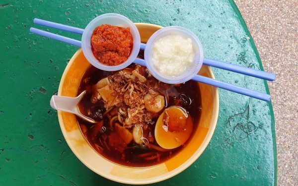 Penang loh mee with appropriate condiments